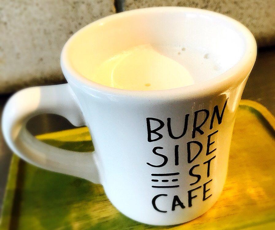 原宿パンケーキBURN SIDE ST CAFE