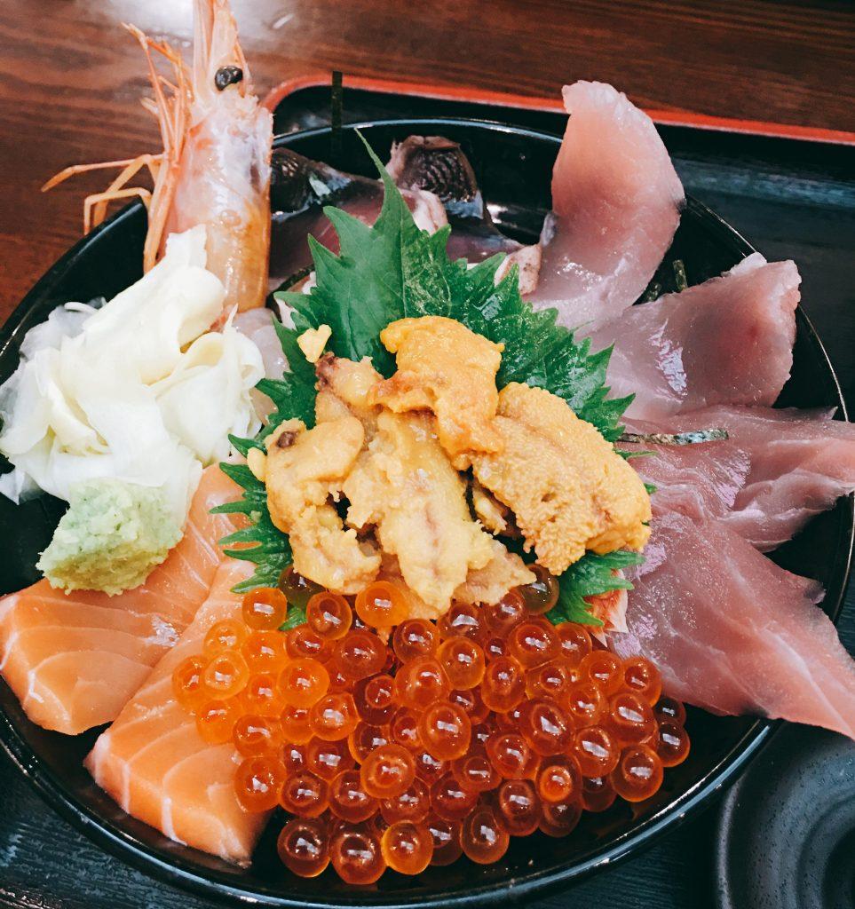 新宿 海鮮丼 魚人食堂