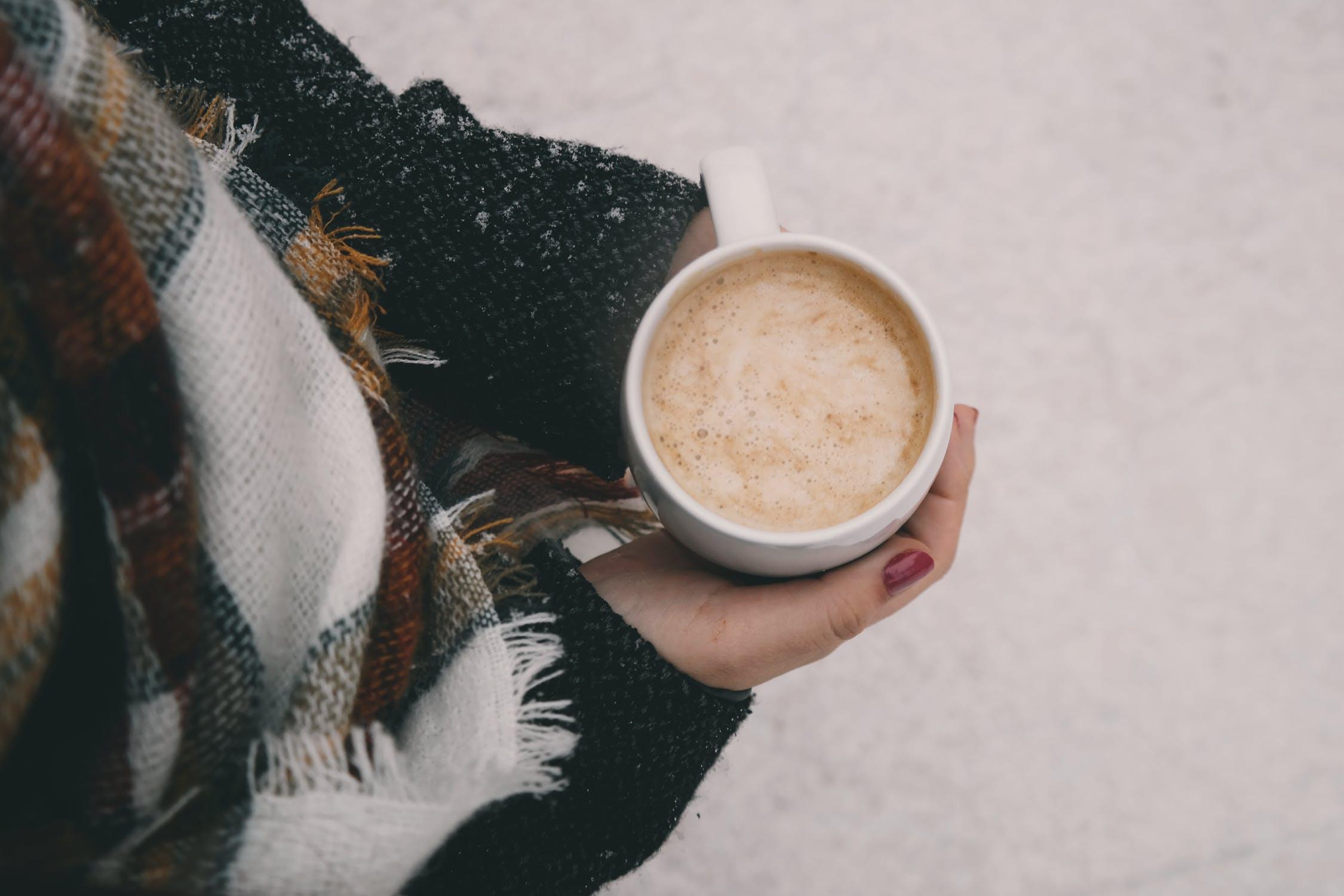 冷え性の原因&改善に効果のある食べ物・飲み物とは?