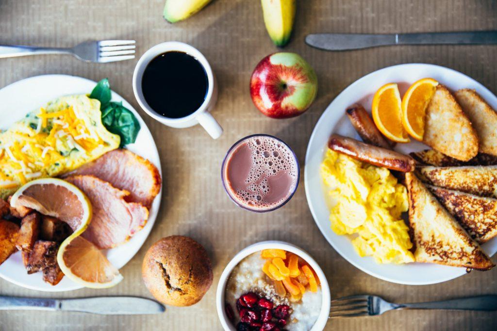 朝ごはんを食べないと太る