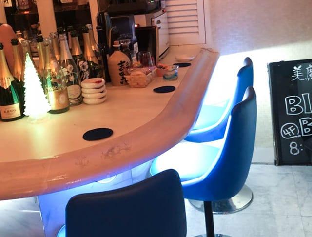 銀座キャバクラ:美魔女カラオケBAR Bluebell(ブルーベル)