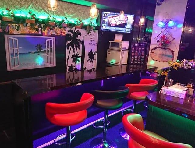 練馬ガールズバー:GIRL'S BAR ギラギラクイーン Resort